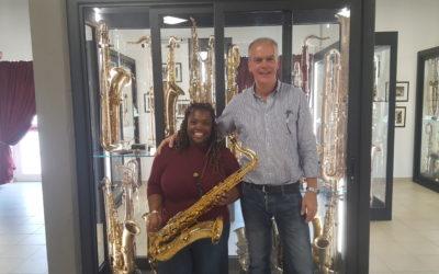 Camille Thurman in visita al Museo del Saxofono