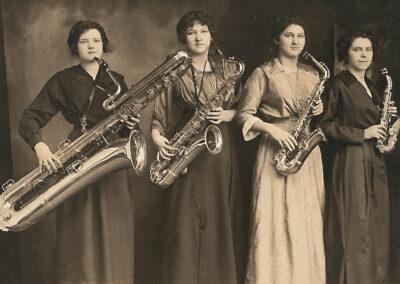 Four Harmony Maids