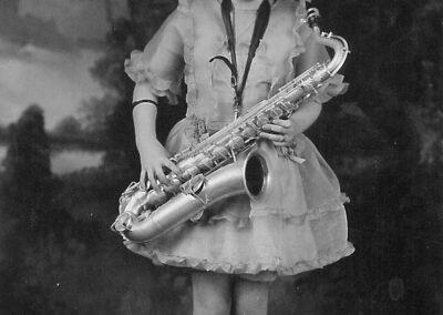 Bambina con sax